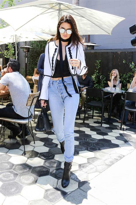 Kendall Jenner in RE/DONE Leviu0026#39;s Vintage Jeans | The Jeans ...