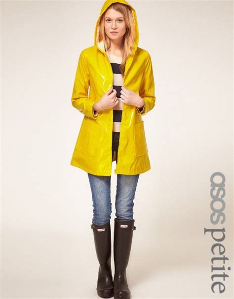 1000+ ideas about Yellow Raincoat on Pinterest   Yellow rain jacket Raincoat outfit and Rain ...