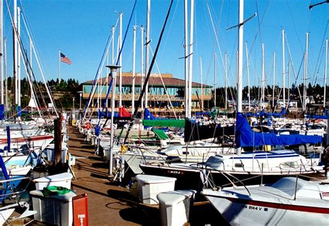 Seattle Boat Moorage Rates by Des Moines Oyster Bar Grill Anthony S Home Port