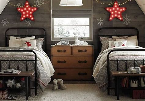 christmas decorated bedrooms two beds christmas room decor