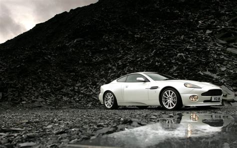 Aston Martin White Cars Hd Wallpapers