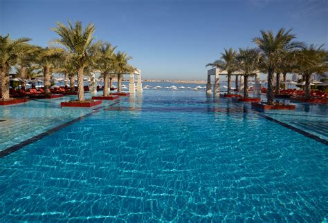 best infinity pools in dubai jumeirah zabeel saray