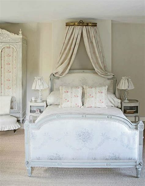 chambre shabby chic 30 shabby chic bedroom decorating ideas decoholic