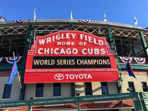 best parking chicago wrigley field parking maps tips rates