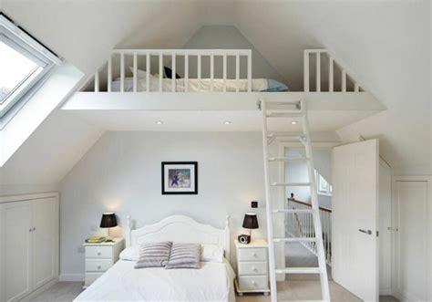 deco chambre mezzanine lit mezzanine une pièce supplémentaire cosy et intimiste