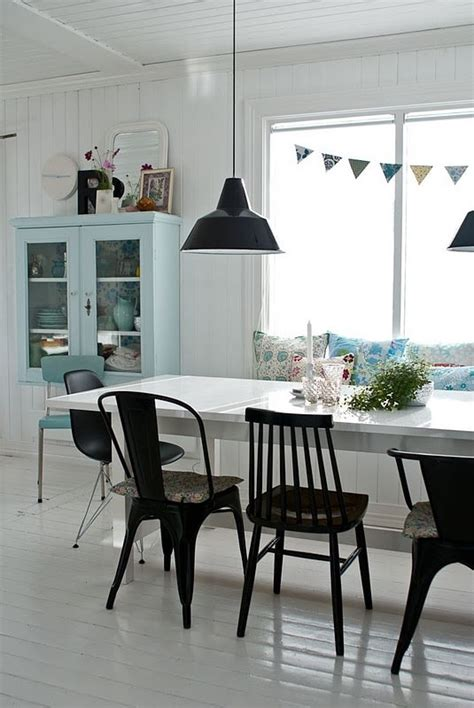 eettafel stoelen met armleuning eettafel met verschillende stoelen interieur insider