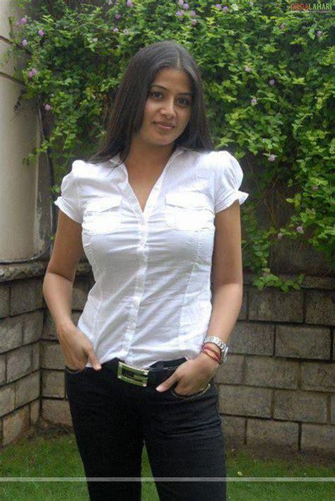 Beautiful Hot Sexy Kolkata Girl Simran - Single ...