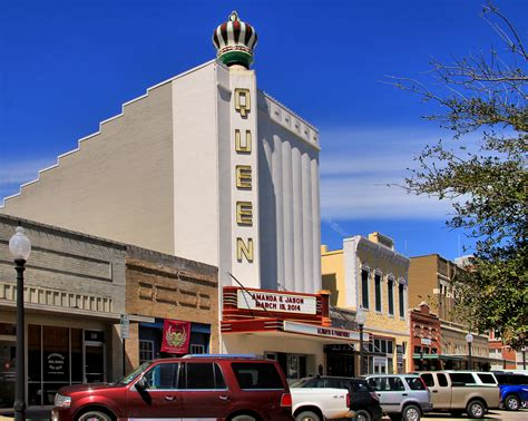 File:Queen theater bryan tx 2014.jpg - Wikimedia Commons