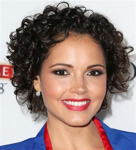 susie castillos short curly hairstyle lovely  sassy