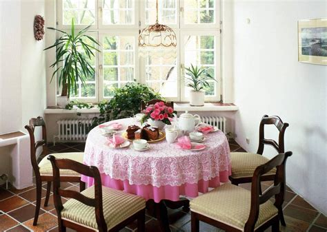 Small Dining Room : Simple Ideas For Home Interior Design-interior Design
