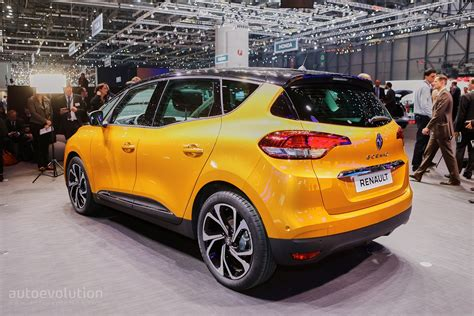 renault mpv 2017 all new renault scenic is an overdesigned mpv with