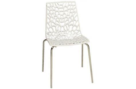 chaises blanches pas cher chaise blanche traviola design sur sofactory