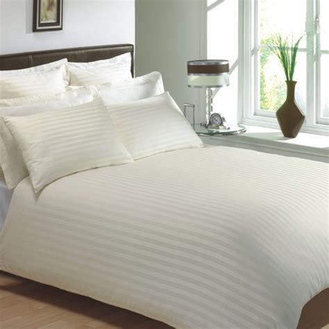 Cream Colour 250 Thread Count Cotton Luxury Hotel Stripe