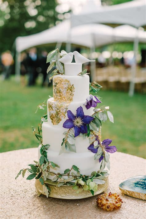 natural wedding cake  vines  metallic accent