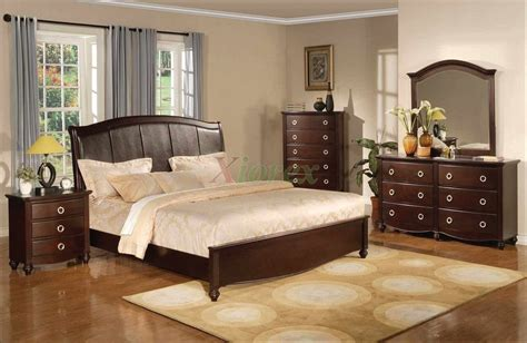 Platform Bedroom Furniture Set With Leather Headboard 133