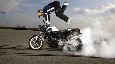 Motorcycle Stunt Wallpaper