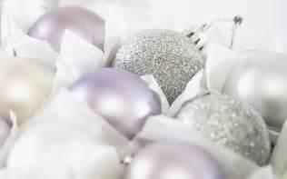 45 white christmas ball christmas ornaments wallpapers hd wallpapers 70438