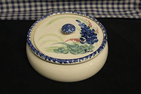 New England Style Pot Belly USA Stoneware Casserole Dish