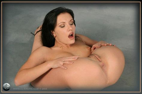 Nude Contortionist Picture 1 Uploaded By Spooky On