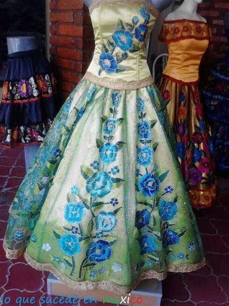Mano Dress vestidos regionales bordados a mano in chiapas