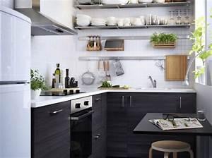 Deco Cuisine Ikea : petite cuisine avec rangements en hauteur ikea d co scandinave scandinavian decor ~ Teatrodelosmanantiales.com Idées de Décoration