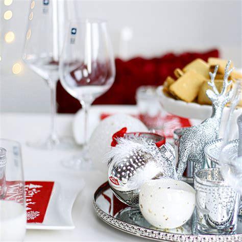 festlich gedeckter tisch weihnachten tischdeko zu weihnachten mit leonardo glasware