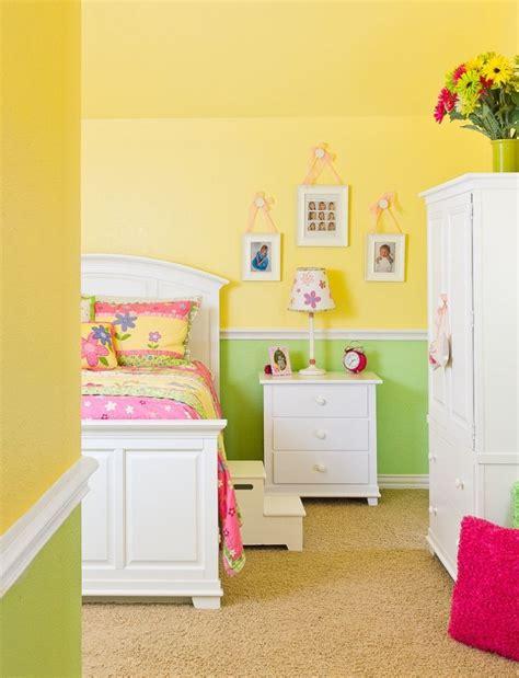 chambre jaune et bleu chambre enfants dans le langage des couleurs 60 idées déco
