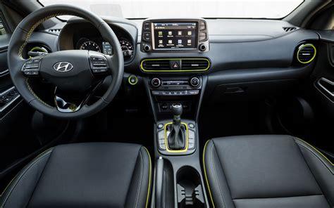bmw x1 interior comparison hyundai kona se 2018 vs bmw x1 xdrive28i