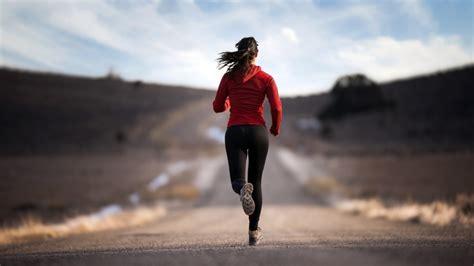 jogger womens hd wallpaper this wallpaper
