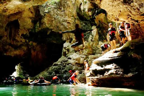 gua  terkenal  jogja yuk piknik