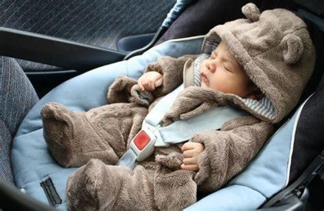 siege auto comment l installer comment faire pour installer bébé dans siège auto
