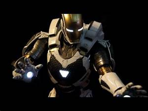 Iron Man 3 Mark 39 Starboost 1/6 Scale Hot Toys Review ...