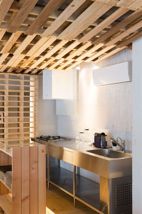 Karl Kitchen Met Office by Ingenious Low Cost Renovation Of An Office Featuring Pallets