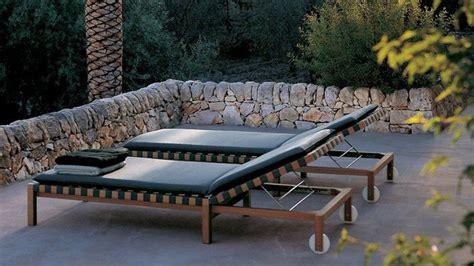 chaises longues  bains de soleil