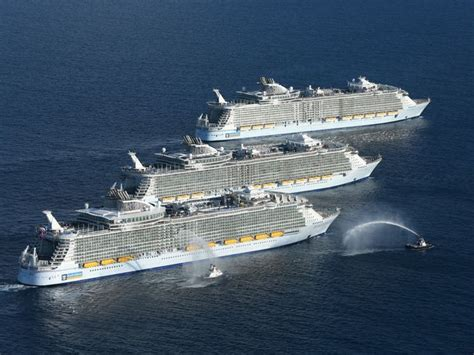 Photos Worldu0026#39;s Largest Cruise Ships In Historic Meetup