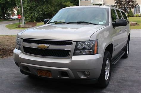 Purchase Used 2008 Chevy Suburban 1500 Lt, 4wd, Great