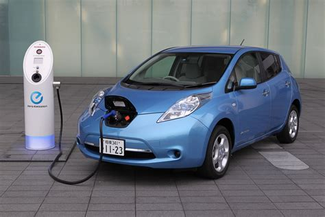 leaf electric car range will high mileage nissan leafs need costly battery