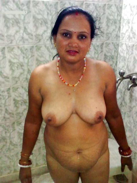 Sexy Desi Aunties 35 Pics