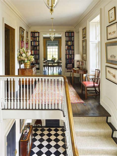Decorating Ideas For Upstairs Landing by Best 20 Upstairs Hallway Ideas On Hallways