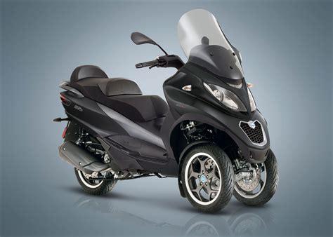 piaggio mp3 300 2018 piaggio mp3 300 sport lt review total motorcycle