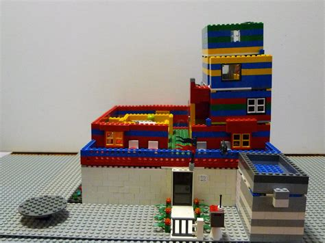ace lego designs lego minifig big house  stories
