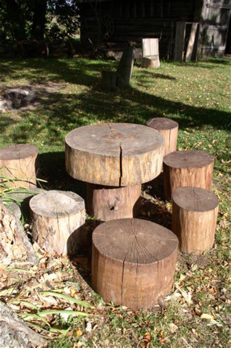 creative ways  turning logs  stumps  garden