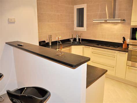 plaque de marbre cuisine granits déco plan de travail en granit noir