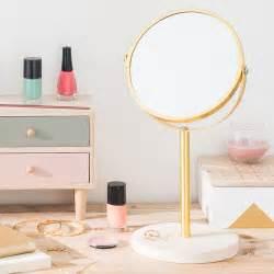 Miroir à Poser : miroir rond poser en m tal dor et ciment 17x33cm molino maisons du monde ~ Teatrodelosmanantiales.com Idées de Décoration