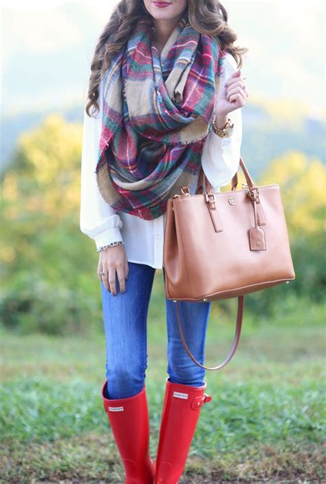 Cute fall outfit - blanket scarf and red hunter rain boots - Picmia
