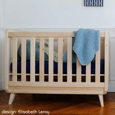 chambre bebe bois massif lit bebe zinezoe