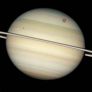 Solar eclipses on Saturn - Wikipedia
