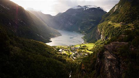Geiranger Fjord And Majestic Railways 8 Days 7 Nights