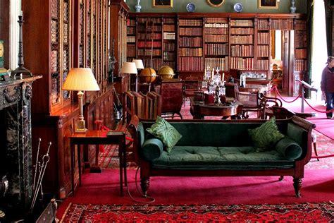 canapé cuir et bois la quintessence du style anglais canapé cuir et petites