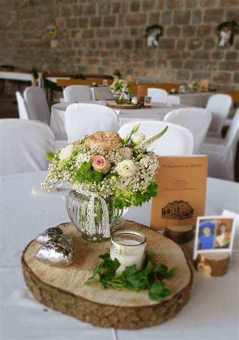 Blumen Hochzeit Dekorationsideentuer Deko Mit Blumen Hochzeit by Blumen Tischdeko Tischdeko Blumen Im Weinglas Blumen